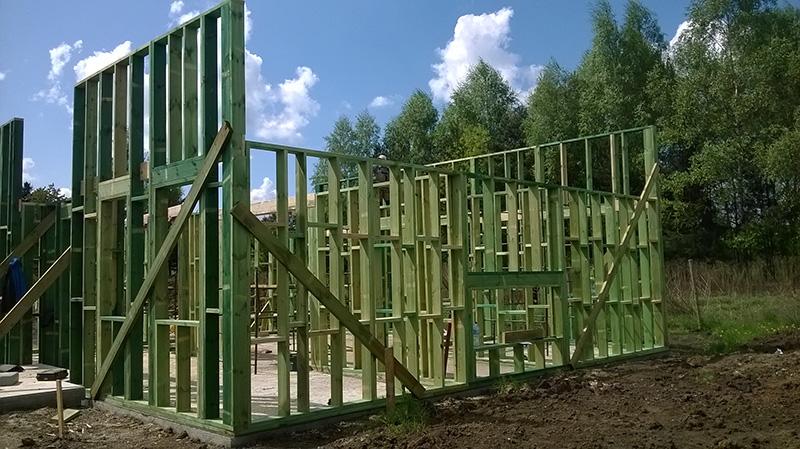 Piekary Śląskie - drewniany domek, stan surowy otwarty